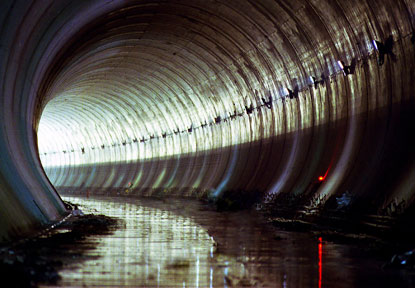 شهر زیرزمینی (شبکه زیرزمینی فاضلاب لندن The Sewer King)