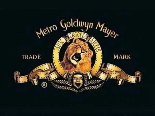 شیری که تریلر آن در ابتدای فیلم های کمپانی Metro Goldwyn Mayer پخش می شود، یک روز پس از فیلم برداری، مربی خود را خورد.