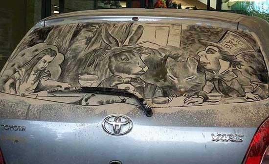 نقاشی روی ماشین کثیف (2)