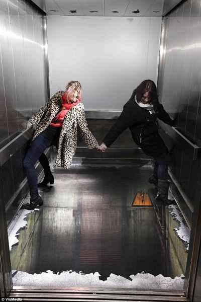 توهم آسانسور در لندن (8)