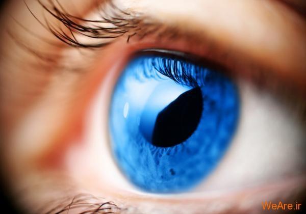 چشم آبی زیبا
