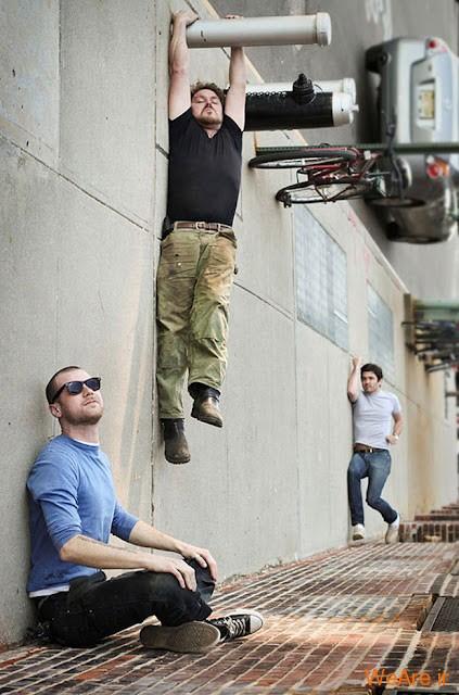 عکس آویزان شدن از میله (3)