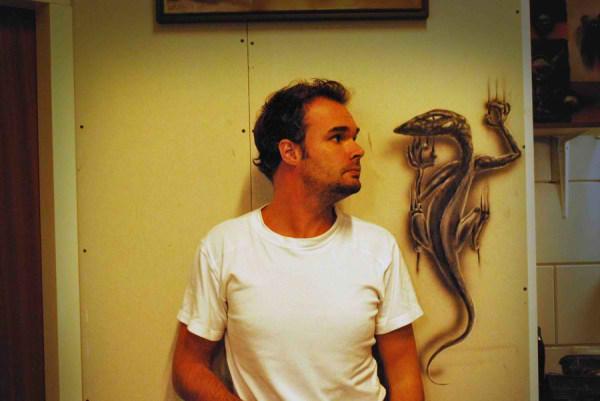 Optical-Illusion-3D-Drawings-on-Paper-by-Ramon-Bruin-aka-JJKAirbrush-28-weare.ir