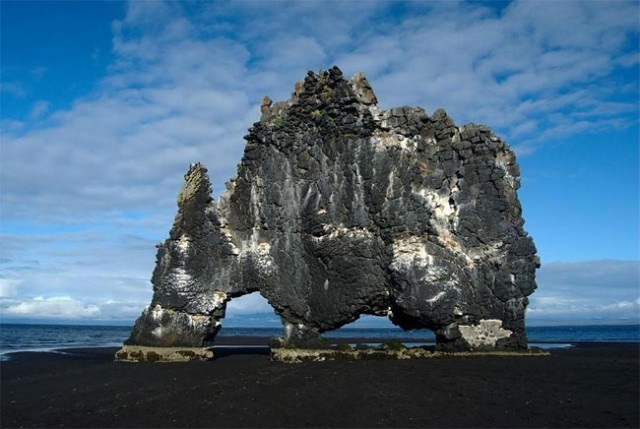 جزیره دایناسور,جزیره سنگی (9)