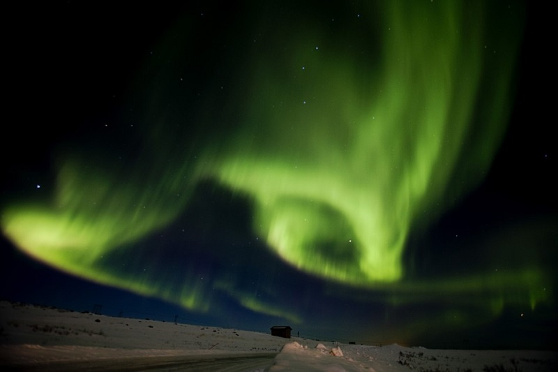 northern-lights-colorful-sky
