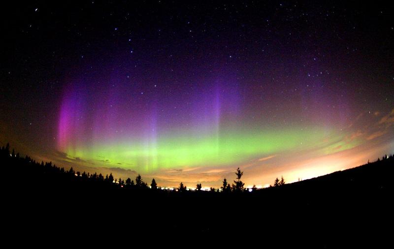 northern-lights-purple-hue