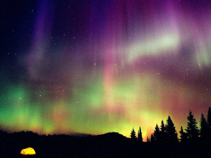 northern-lights-rainbow-of-colors