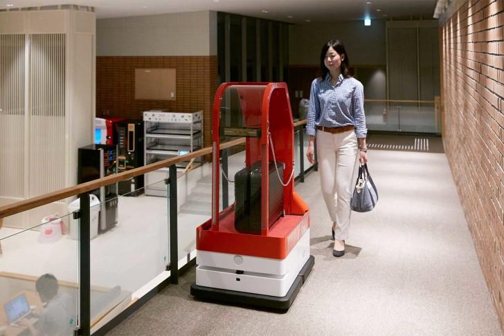 Japan-Henn-na-Hotel-is-run-by-robots-4-728x486