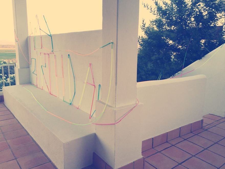 Dad-builds-crazy-straw-construction-for-daughters-birthday.3__880