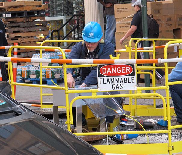 funny-photos-men-safety-fails-14__605