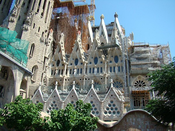 Sagrada-Familia-in-Barcelona-Spain_Architectural-masterpiece_2389