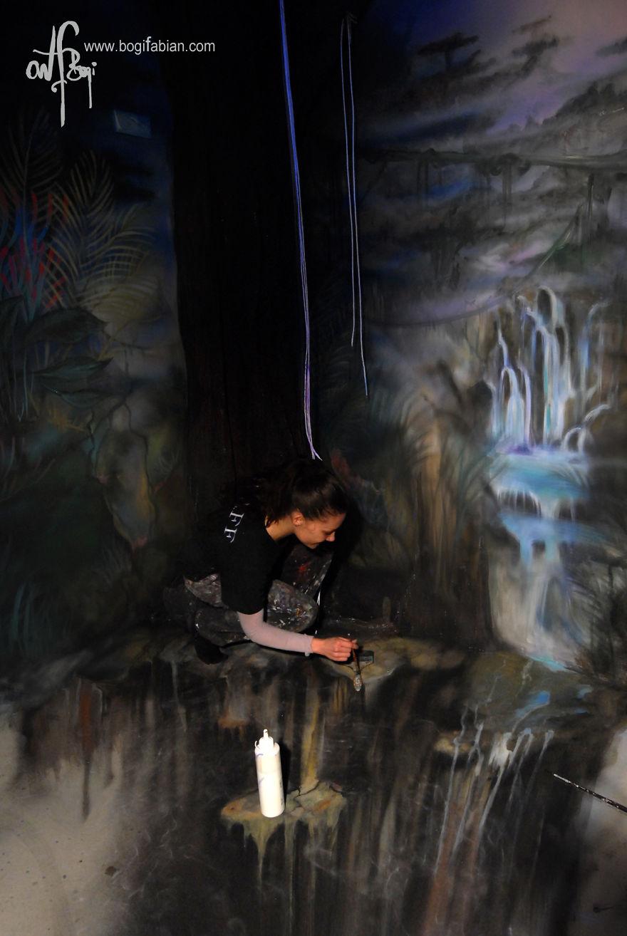 Glowing-murals-by-Bogi-Fabian15__880