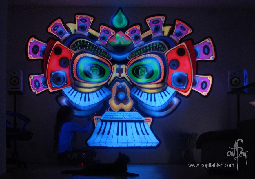 Glowing-murals-by-Bogi-Fabian19__880