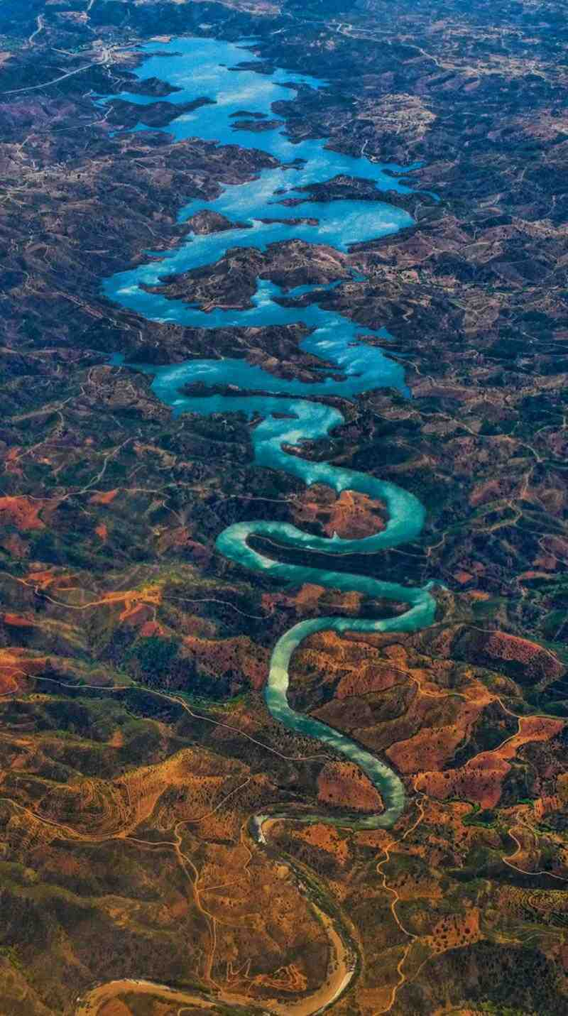 interesting-pictures-blue-dragon-river