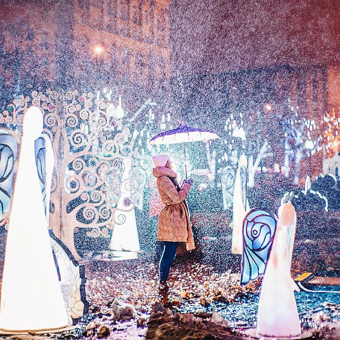 moscow-city-looked-like-a-fairytale-during-orthodox-christmas-6__700 - Copy