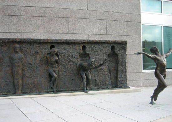 تندیس هنری ….رهایی….