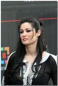 تجلیل از هنرپیشه ایتالیایی به دلیل رد پیشنهاد جنسی برلوسکنی
