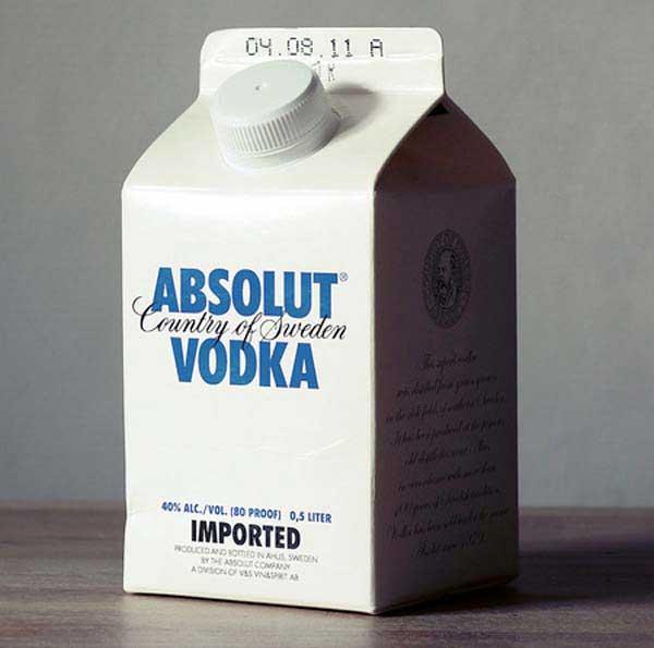 مشروب در ظرف های شیر