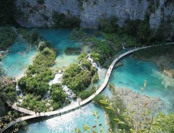 ۲۵ مکان زیبا و شگفت انگیز جهان