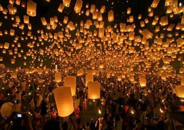 جشنواره فانوس آسمان - تایلند