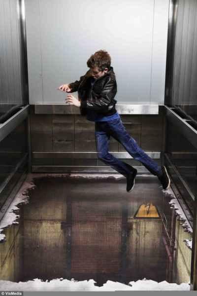توهم آسانسور در لندن (7)
