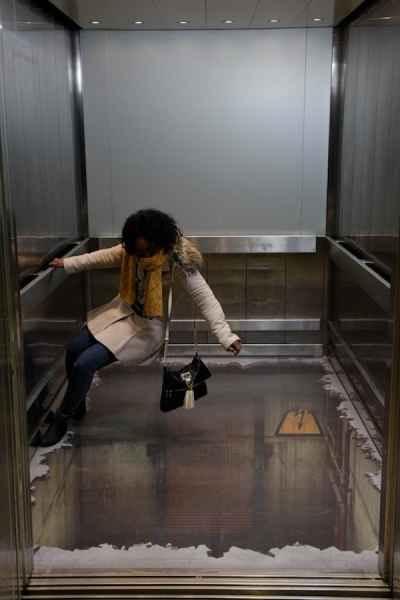 توهم آسانسور در لندن (2)