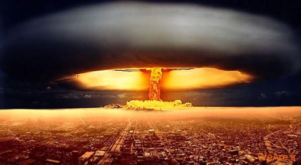 انفجار بمب اتمی
