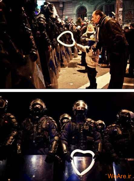 هدیه به پلیس ضد شورش