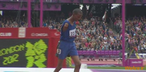 پارا المپیک; دونده ای که ورزشگاه ۱۱ دقیقه به احترامش ایستاد و تشویق کرد