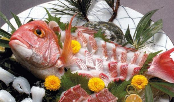 ۱۰ نمونه از غذاهای عجیب دنیا