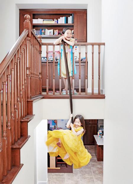 2 خواهر بازیگوش (12)