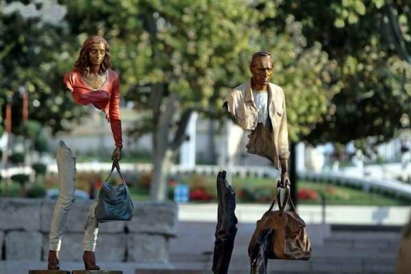 مجسمه های ناتمام سورئال