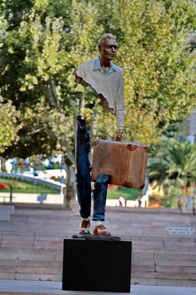 مجسمه سورئال (2)
