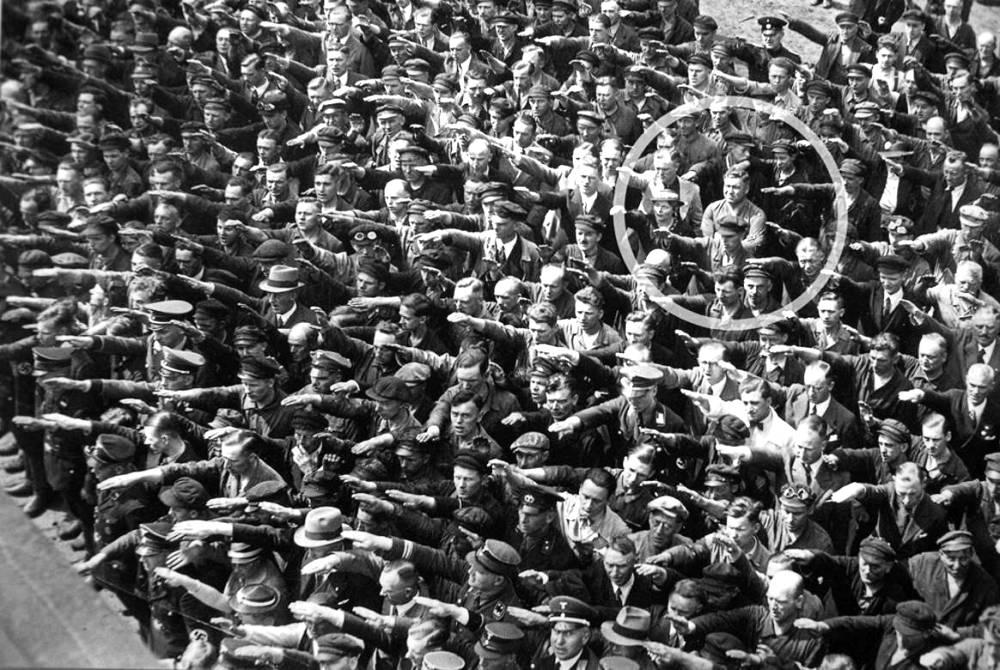 مردی که بر هیتلر درود نفرستاد