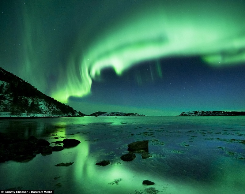 northern-lights-eerie-green-hue