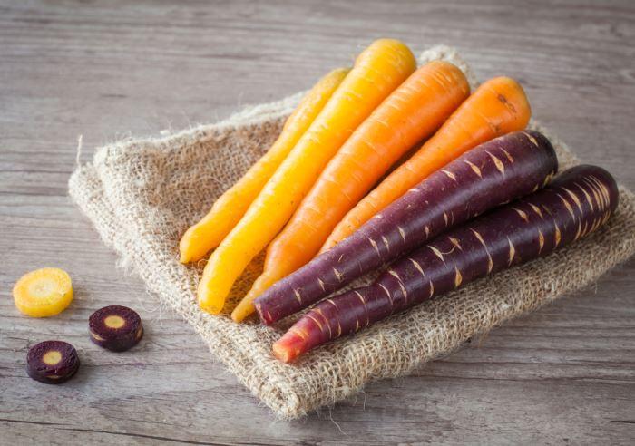 حقایقی از هویج، از ارغوانی به نارنجی