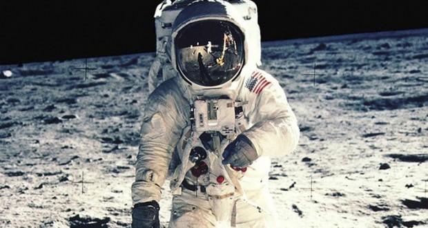 فضانوردان و یوفوها