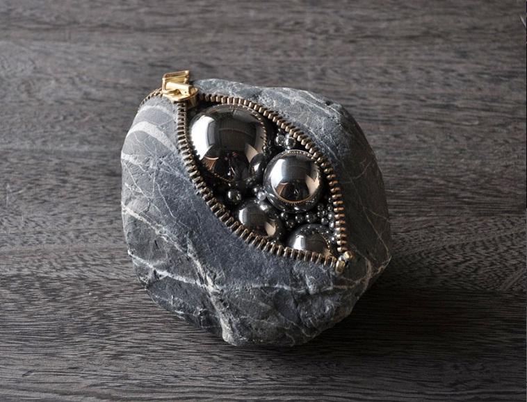 مجسمه های سنگی باورنکردنی که از قوانین فیزیک تبعیت نمی کنند