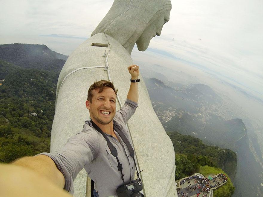 برزیل، بر فراز مجسمه مسیح نجات دهنده