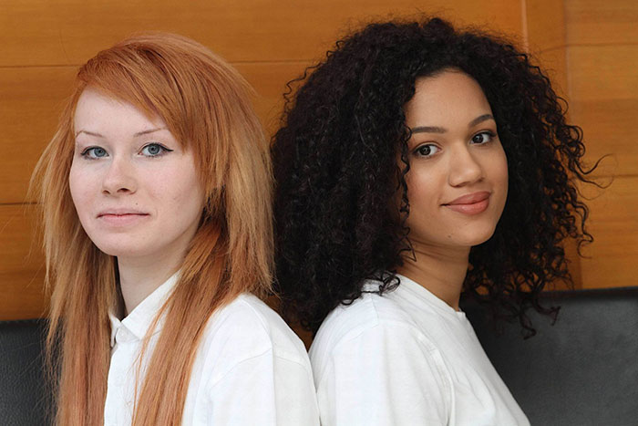 این خواهران دوقلو ظاهری کاملا متفاوت دارند