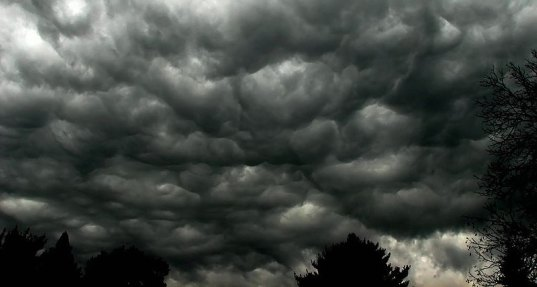 چرا ابرهای باران زا تیره هستند