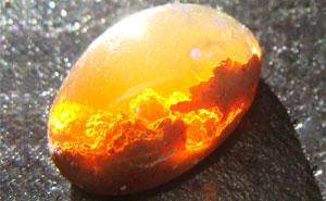 ۲۵ مورد از زیباترین سنگ ها و کانی های معدنی