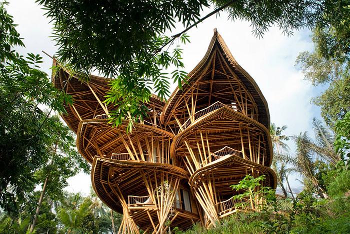 خانه های بسیار زیبا و پایدار از جنس بامبو در بالی اندونزی