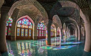 جادوی رنگها: مجموعه تصاویری از مسجد نصیرالملک شیراز
