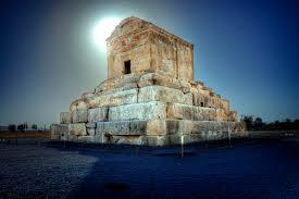 نگاهی به آثار باستانی فارس، مهد تمدن ایران زمین
