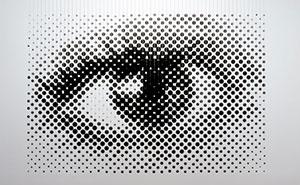 نیمه تنالیته سه بعدی: چشمی هنرمندانه از ۱۲۵۲ توپ شناور
