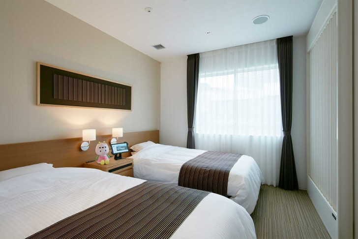 Japan-Henn-na-Hotel-is-run-by-robots-7-728x486