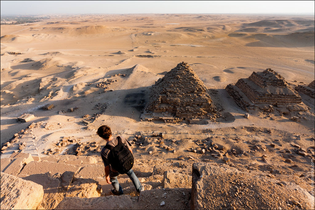 Arch2O-On-the-top-of-the-Great-Pyramid-Mister-Marat-and-Raskalov-Vit-05