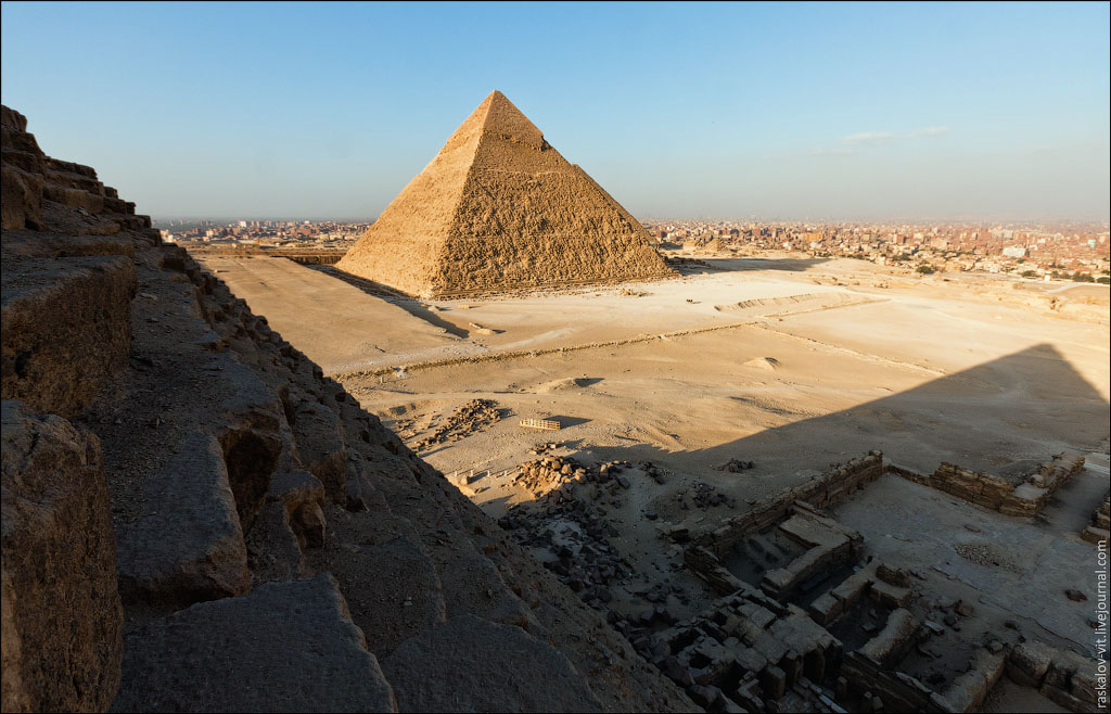 Arch2O-On-the-top-of-the-Great-Pyramid-Mister-Marat-and-Raskalov-Vit-08