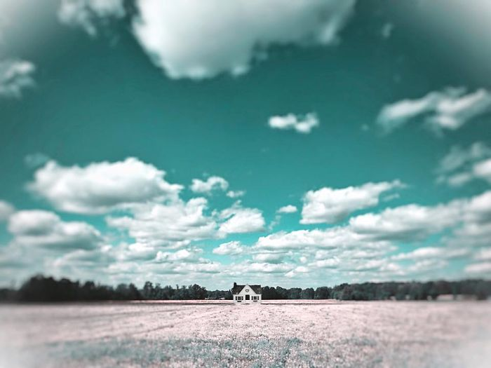 I-create-surreal-Southern-mobile-art-in-Mississippi-with-my-iPhone.16__700